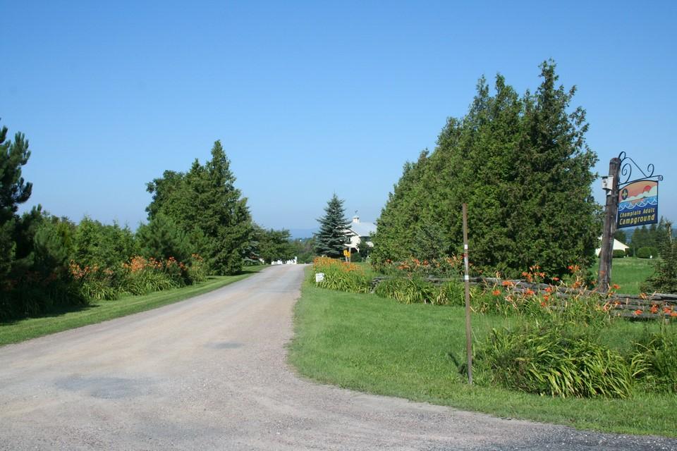 Entrance to Champlain Resort